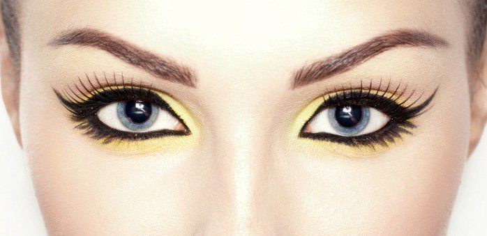 Tricks That Will Help Your Eyeliner Stay Longer 1